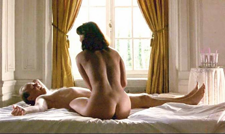 Polly Walker Nude Sex Scenes & Hot Images 28