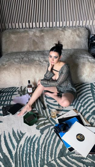 Charli XCX Nude Pics, Porn and Hot Photos 115