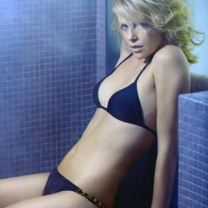 Charlize Theron Nude Photos and Scenes Collection 61