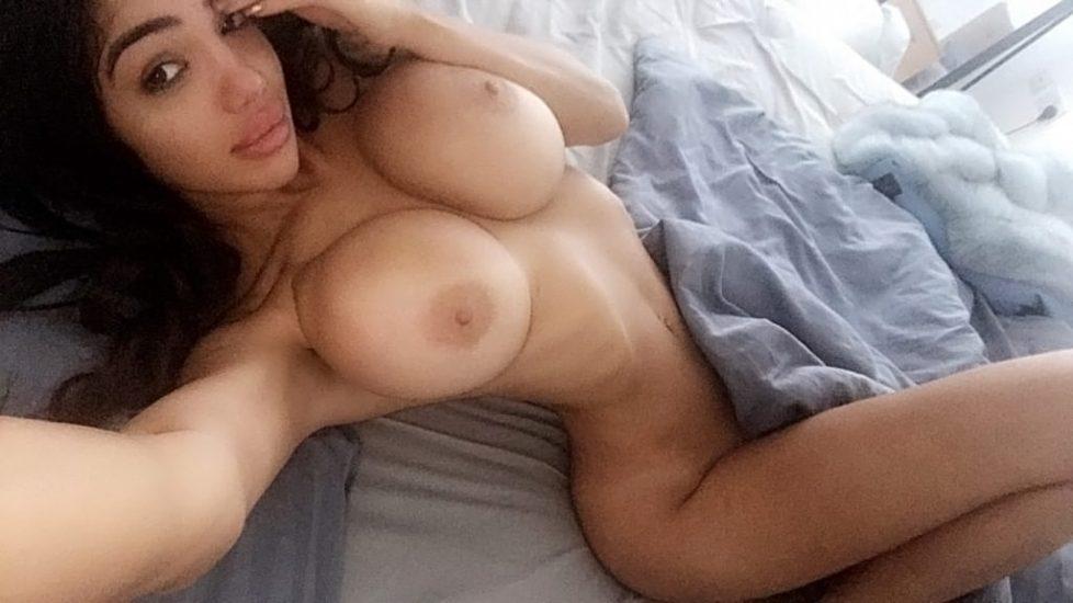 Nude chloe Chloe Vevrier