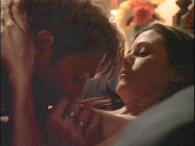 Courteney Cox topless sex in TheRunner 1