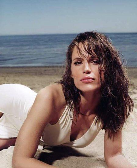 Jennifer Garner Nude Photos, Hot Pics and Scenes 17