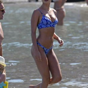 Kimberley Garner Nude Tits and Sexy Bikini Pics [2021] 98