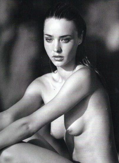 Miranda Kerr Naked 011