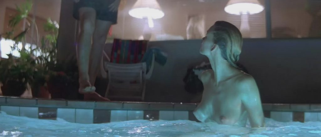 Natasha Henstridge sex in the pool from Species 1