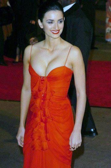 Penelope Cruz Nude Pics, Porn and Sex Scenes 2021