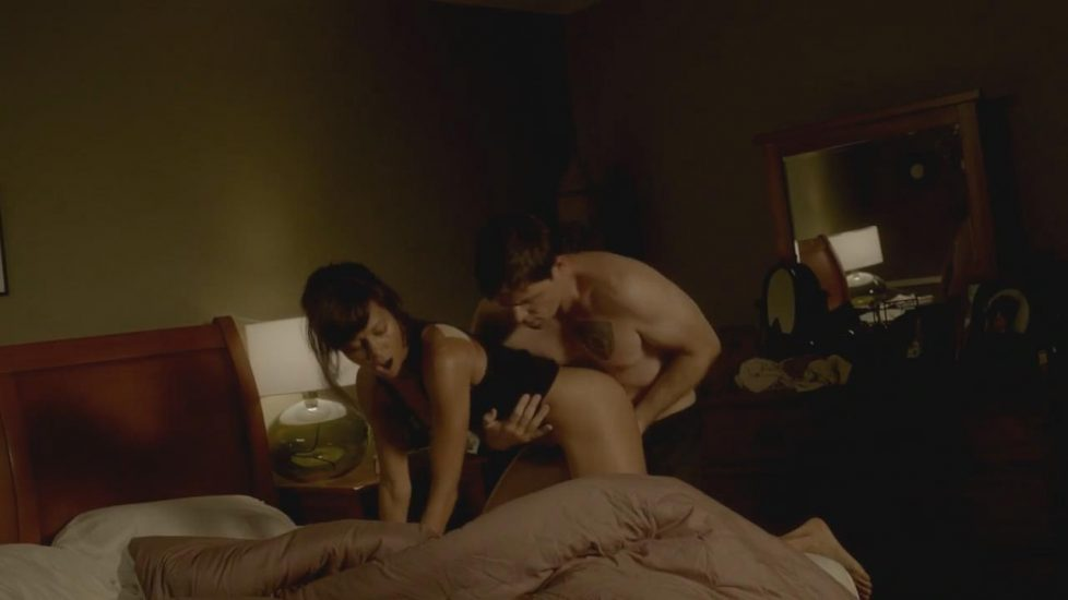 Thandie Newton nude sex in Rogue - S01E02