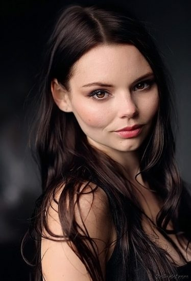 Eline Powell Nude & Feet Pics And Topless Scenes 70