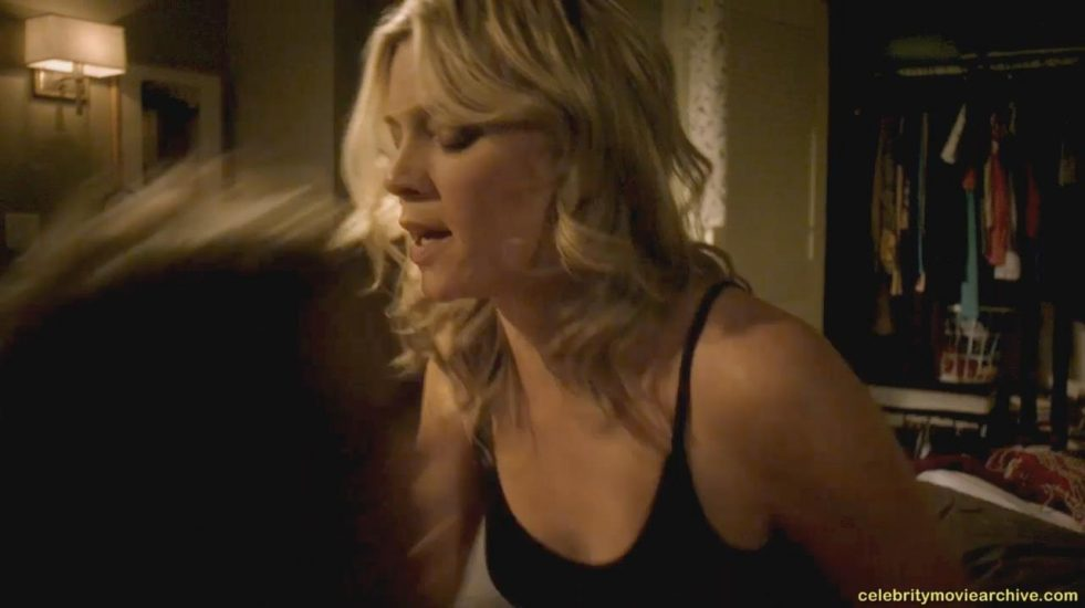 Amy Smart sex in Justified - S05E04 1