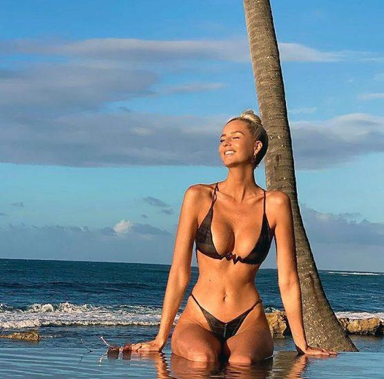Emma Hernan nude and sexy