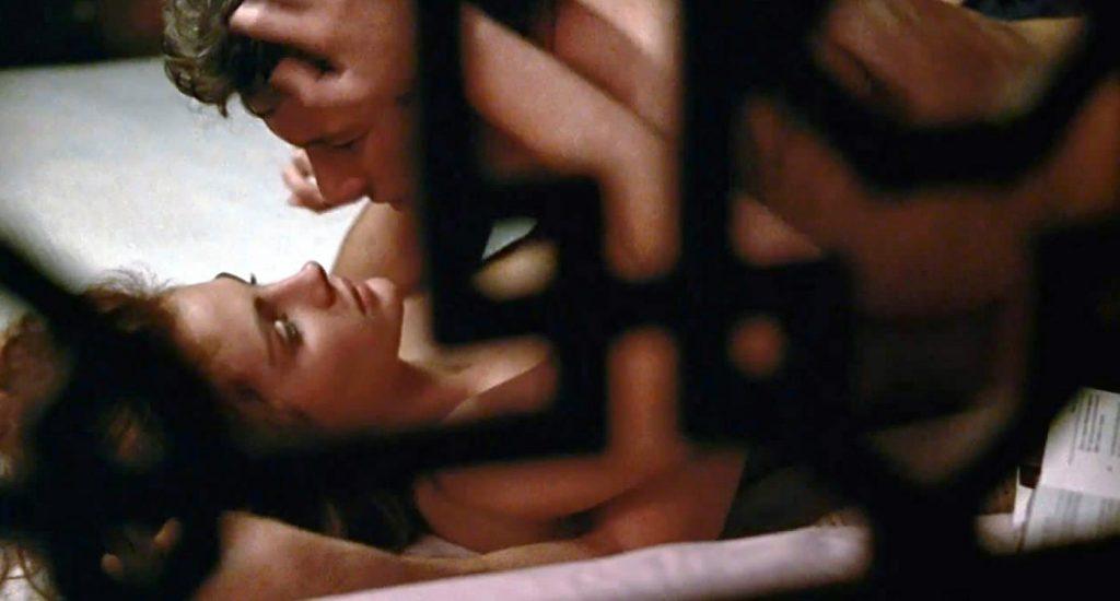 Julia Roberts nude in a sex scene