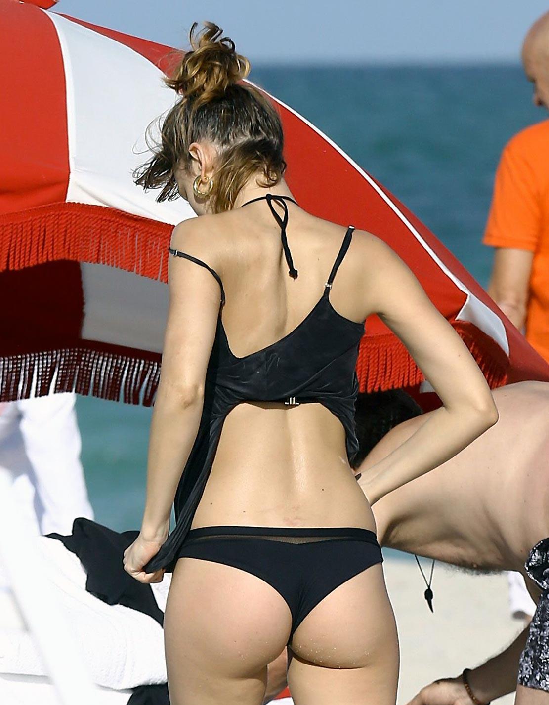 Ursula Corbero Nude Pics and Sex Scenes Collection