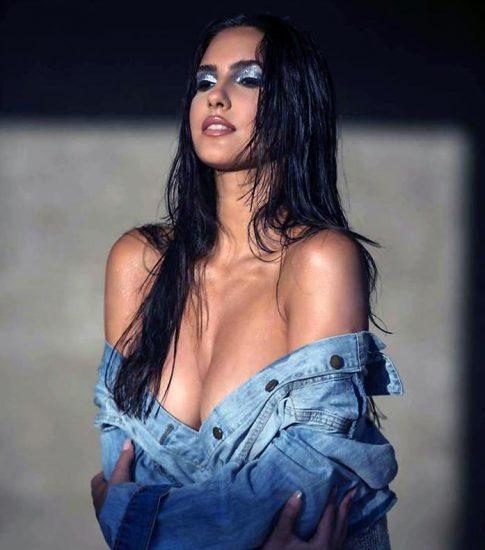 Tao Wickrath nude boobs under texas jacket