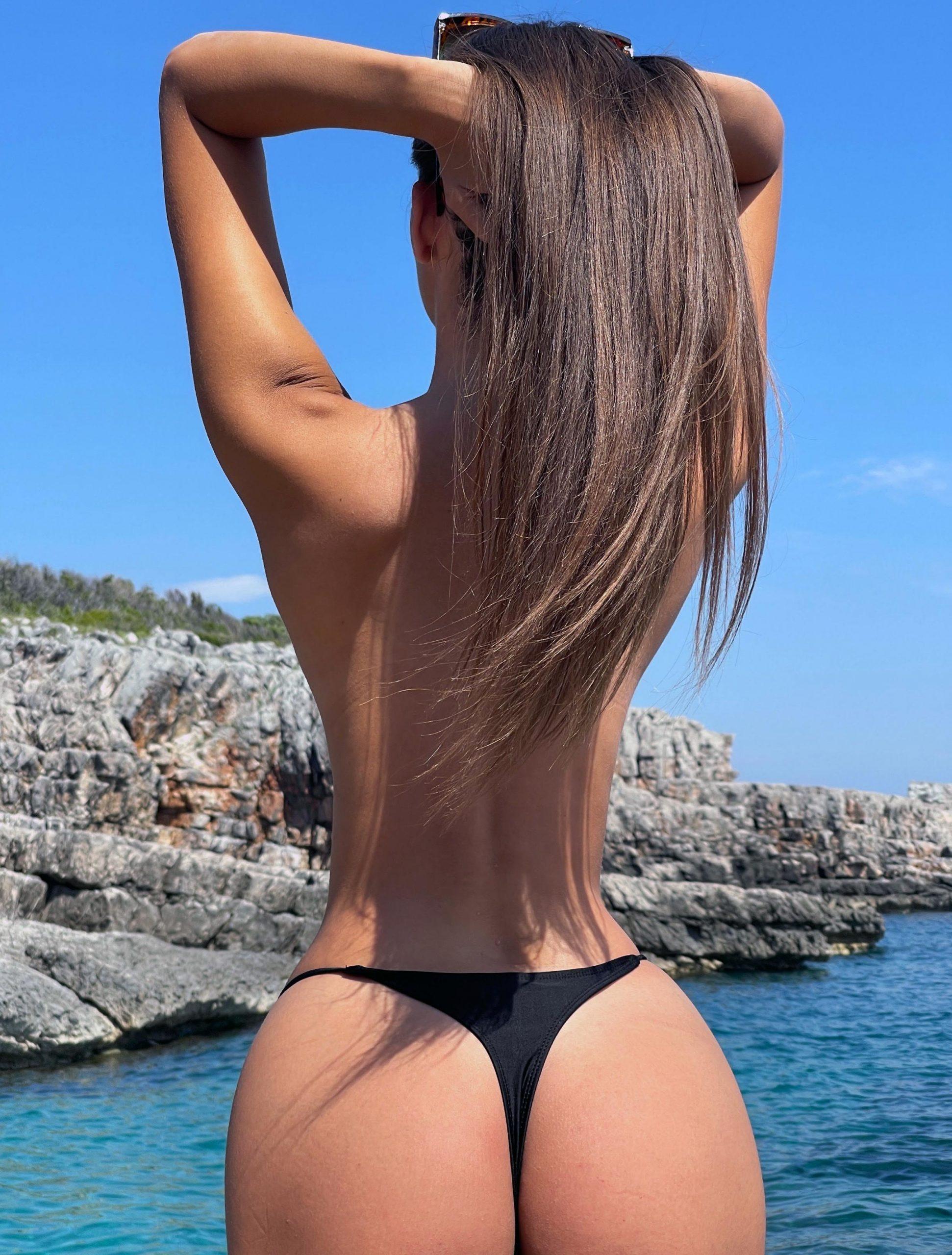 Porn pics bikini Bikini Porn